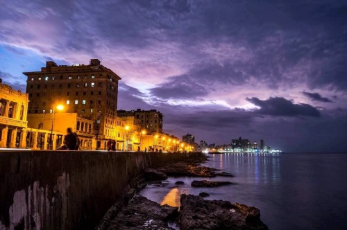 Havana Malecon strip at night - A highlight on your Cuba road trip