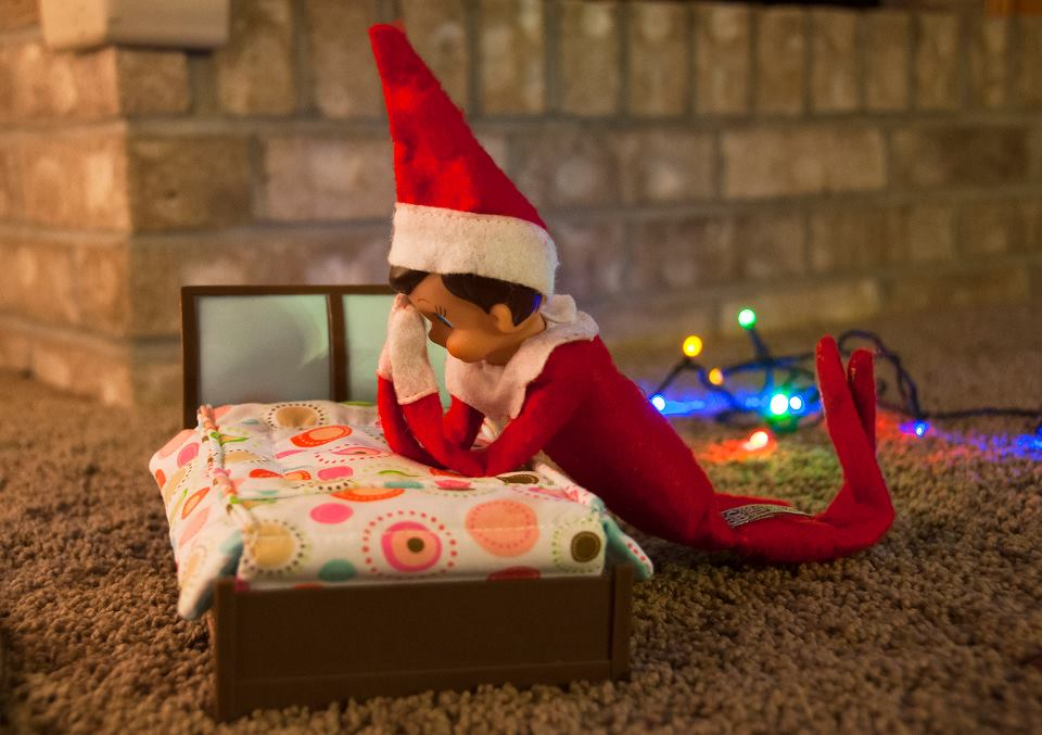 Elf prays before going to bed