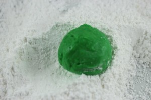 Grinch Crinkle Cookie process 4
