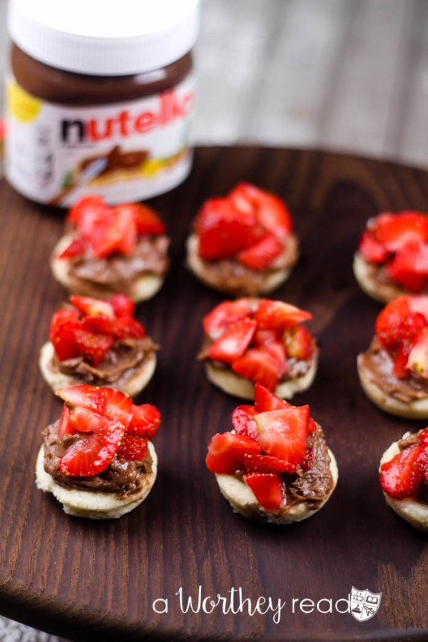 Strawberry Nutella Tart Bites