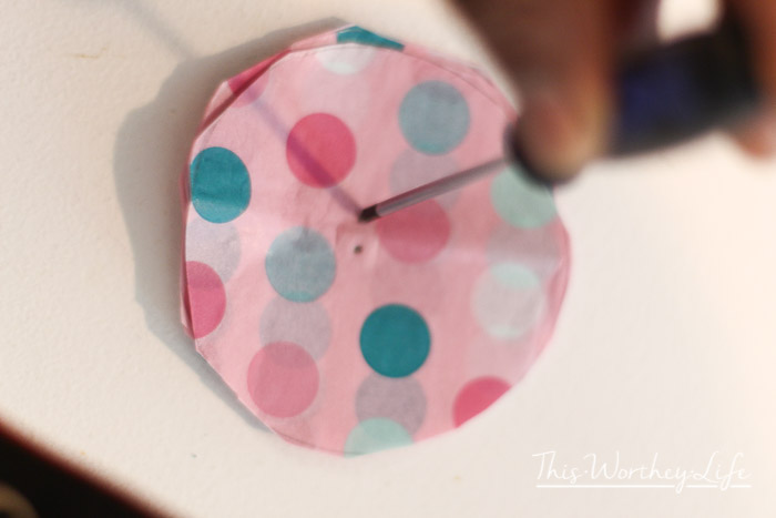 how to make flowers out of paper tissue
