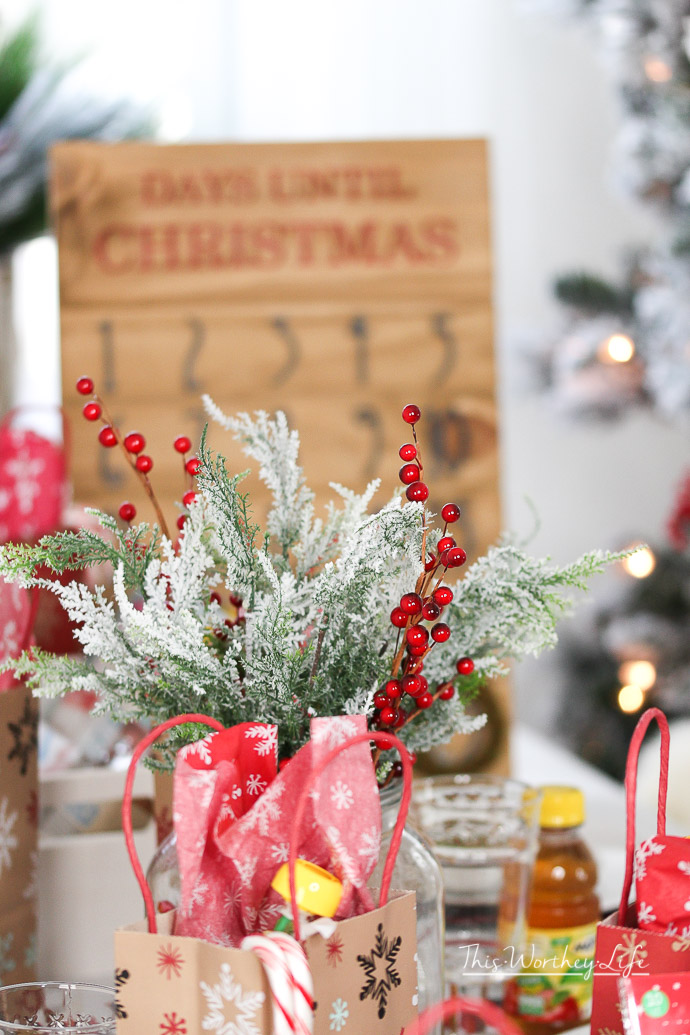 Kids Holiday Tablescape + Entertainment Ideas