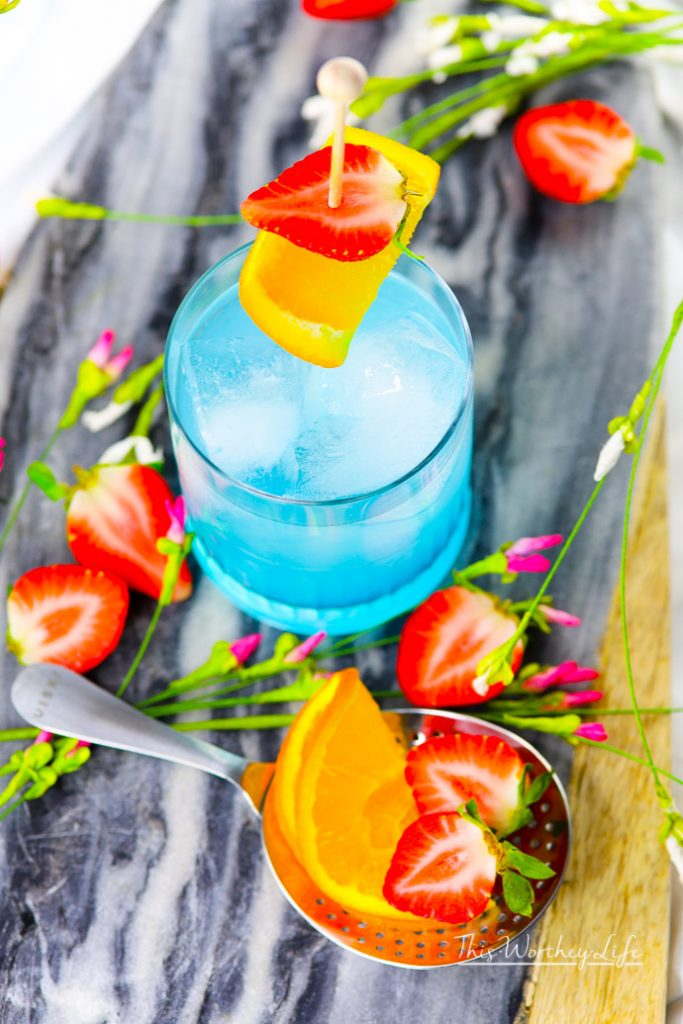 See how we made this beautiful hypnotic drink - perfect for a Black Panther party!