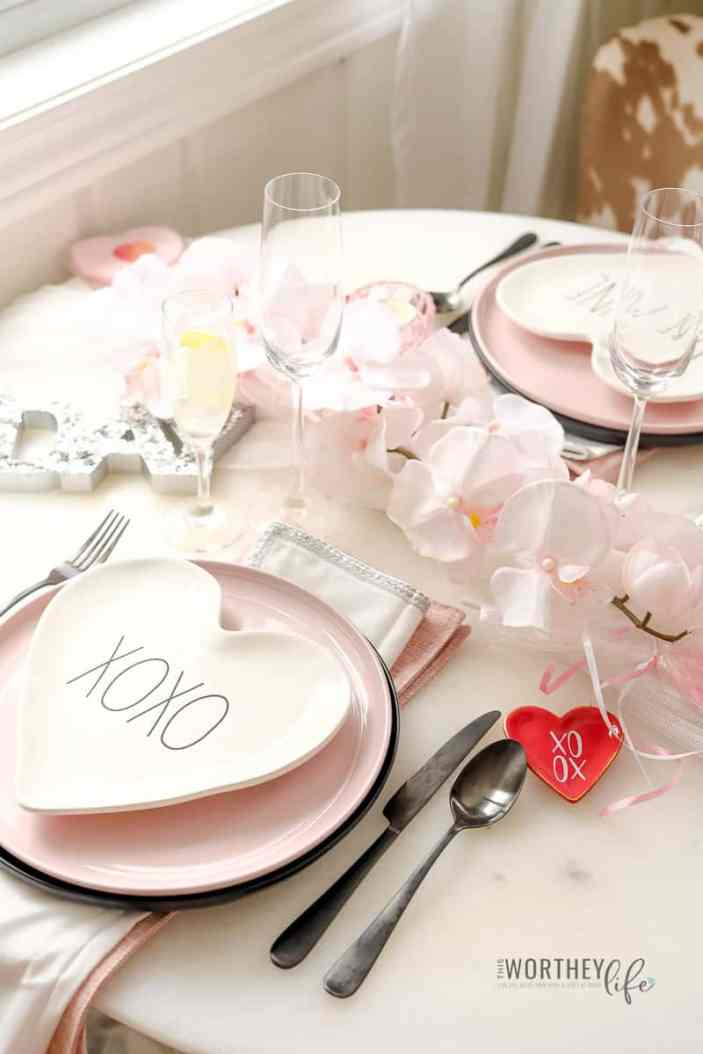 Valentine's Day decor ideas for two