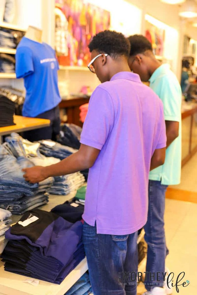 Benefits of using a Teens Happy Gift Card