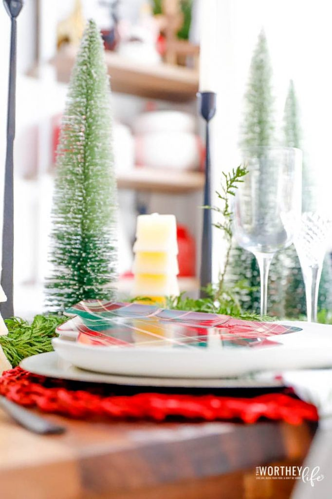 How to decorate your table for Christmas