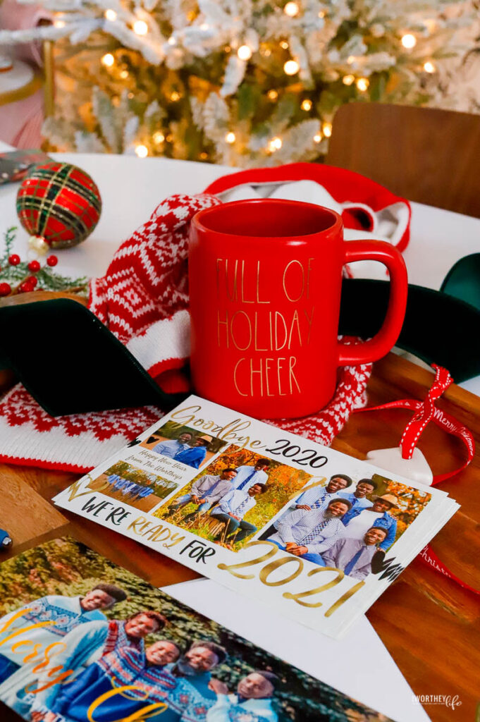 why you should send holiday cards this year