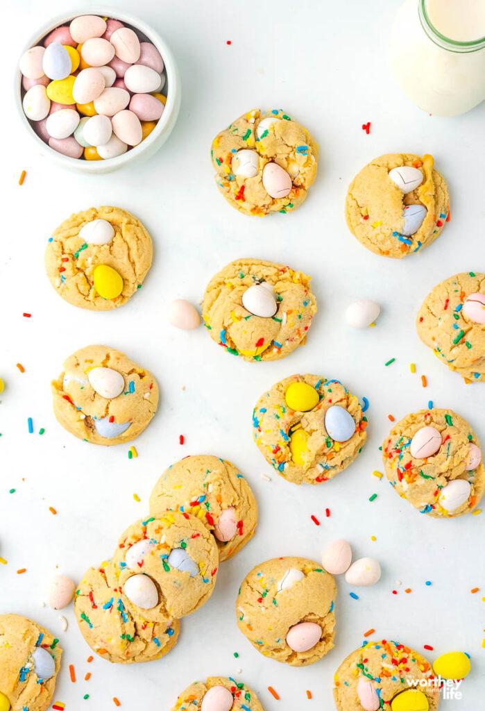 como fazer Mini Egg Cookies da Cadbury