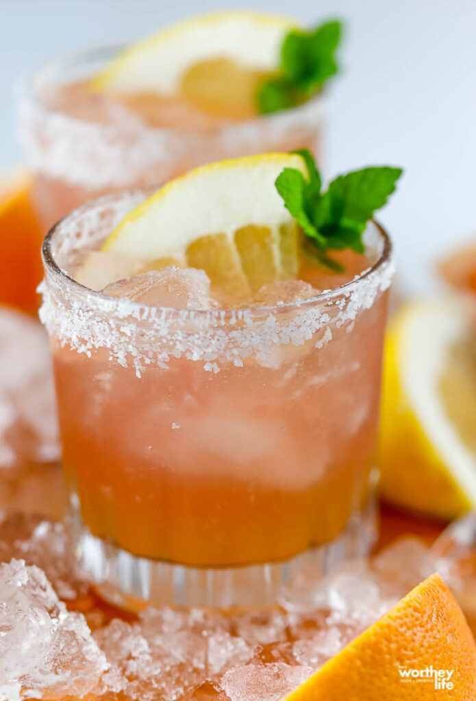 How to make a Mezcal Paloma Cocktail