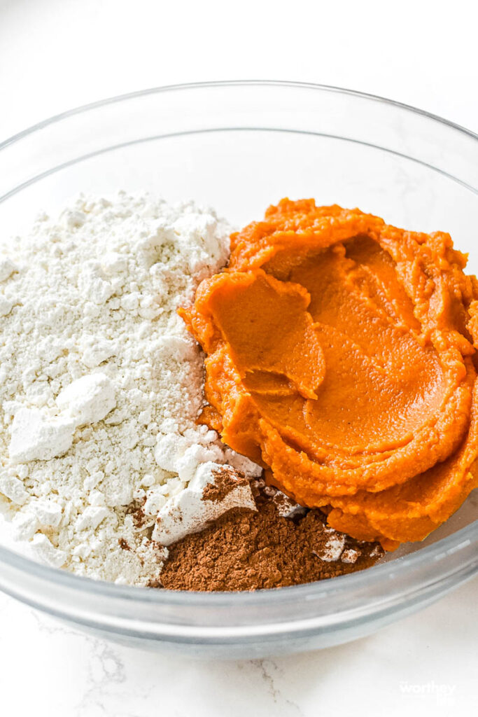 3 Ingredients needed for pumpkin donuts