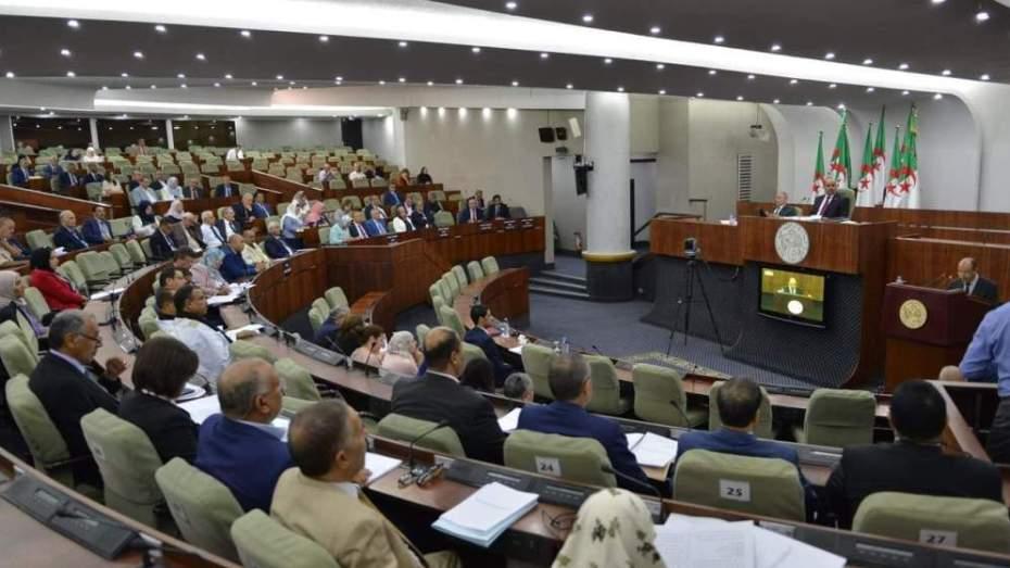 لماذا غاب وزير الداخلية عن جلسة البرلمان؟