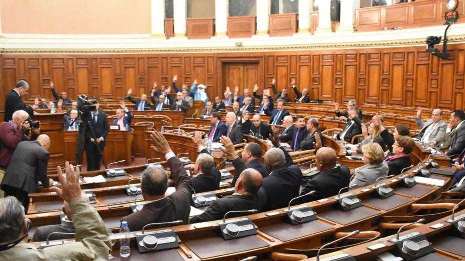 المصادقة على مشروعي القانونين المتعلقين بالانتخابات