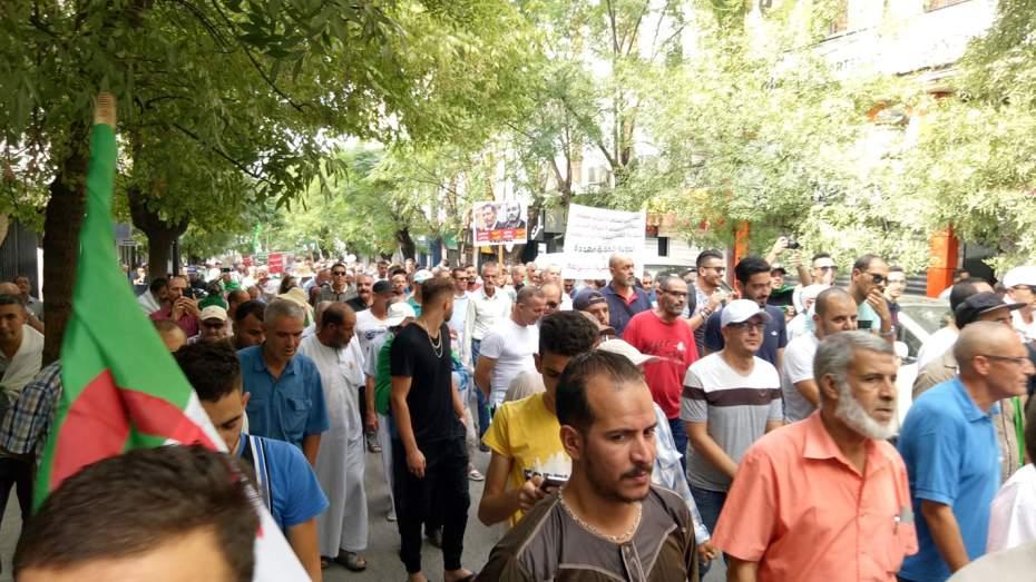 الإفراج عن ثلاثة معتقلين شاركوا في حراك قسنطينة