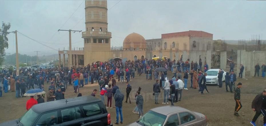 من أمام مسجد السنة أين سيصلى على الراحل #علي_فضيل