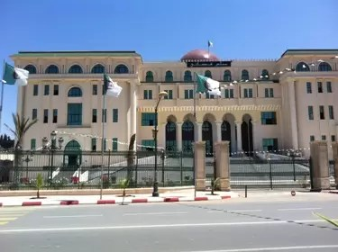 محكمة تلمسان تدين معرقلي الحملة الانتخابية