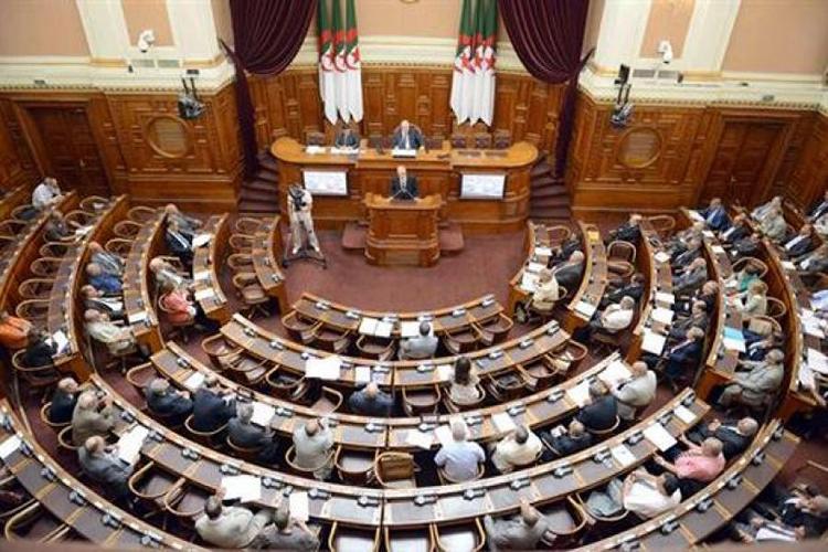 أعضاء مجلس الأمة يصادقون على قانون المالية