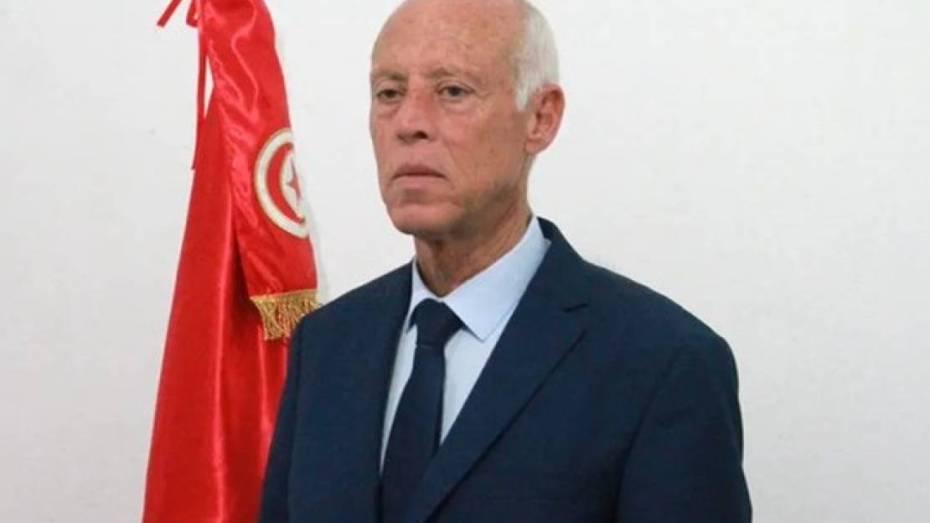 النيابة العامة التونسية تكشف حقيقة الطرد المشبوه الذي وصل الرئاسة