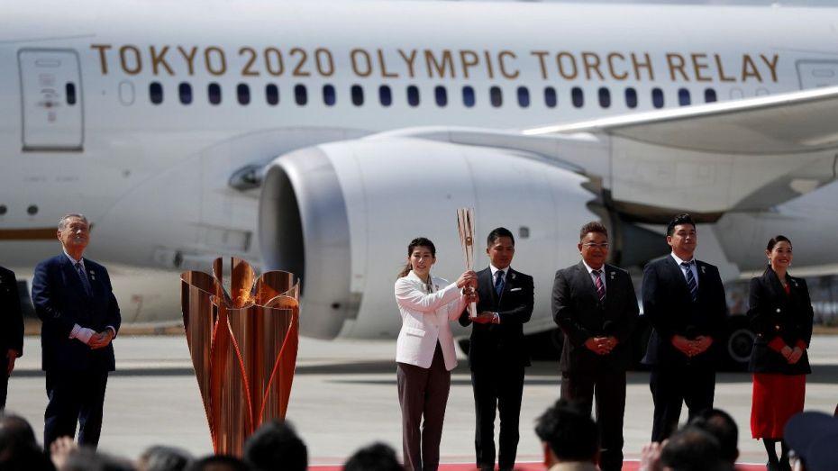 كورونا يقصي الجماهير من استقبال الشعلة الأولمبية
