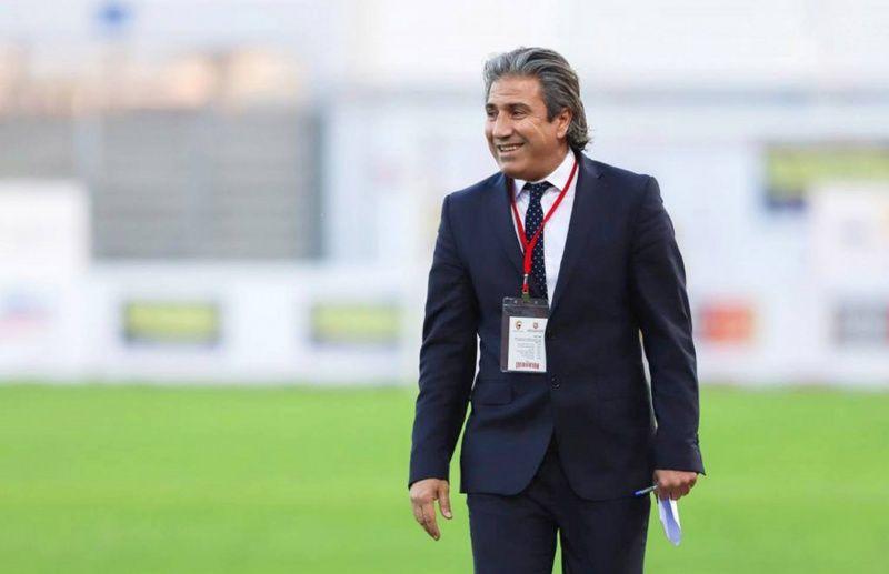 هل فضّل المدرب التونسي نبيل الكوكي رياض محرز أم محمد صلاح؟ إليك القصة
