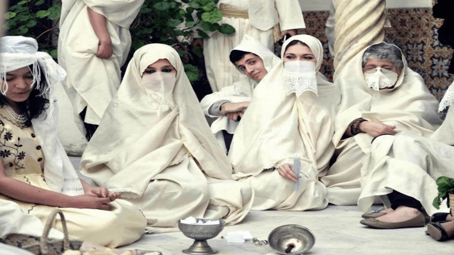 """""""القعدة"""" من عادات الجزائريين اليومية"""