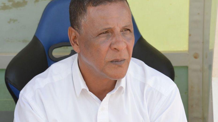 إدارة مولودية الجزائر تفسخ عقد المدرب عبد القادر عمراني