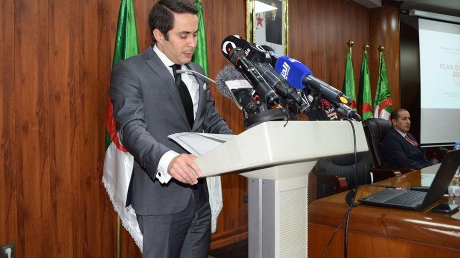 خالدي يعترف بتعرض وزارة الشباب والرياضة لضغوط