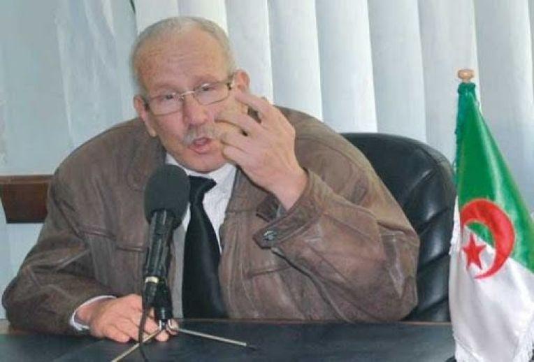 """""""مصطفى لموشي"""" رئيس الاتحادية الجزائرية للكرة الطائرة"""