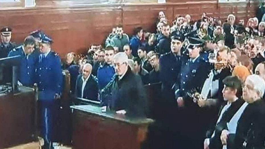 المحكمة تبرّئ سلال وأويحيى