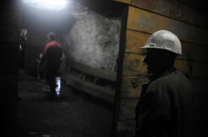 وفاة عاملين وإصابة آخر في انفجار بمنجم في سطيف