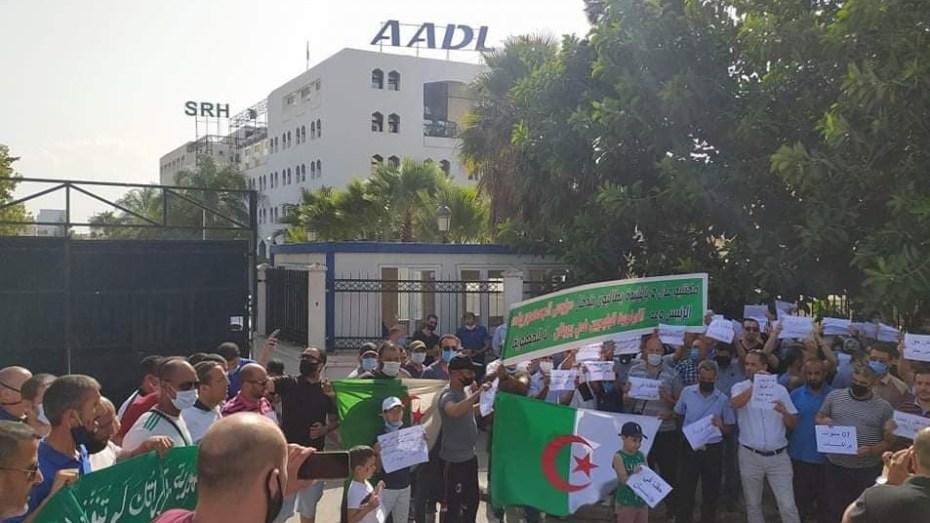 """مكتتبو """"عدل2"""" بالبليدة يحتجون وبلعريبي يرفض مطالبهم"""
