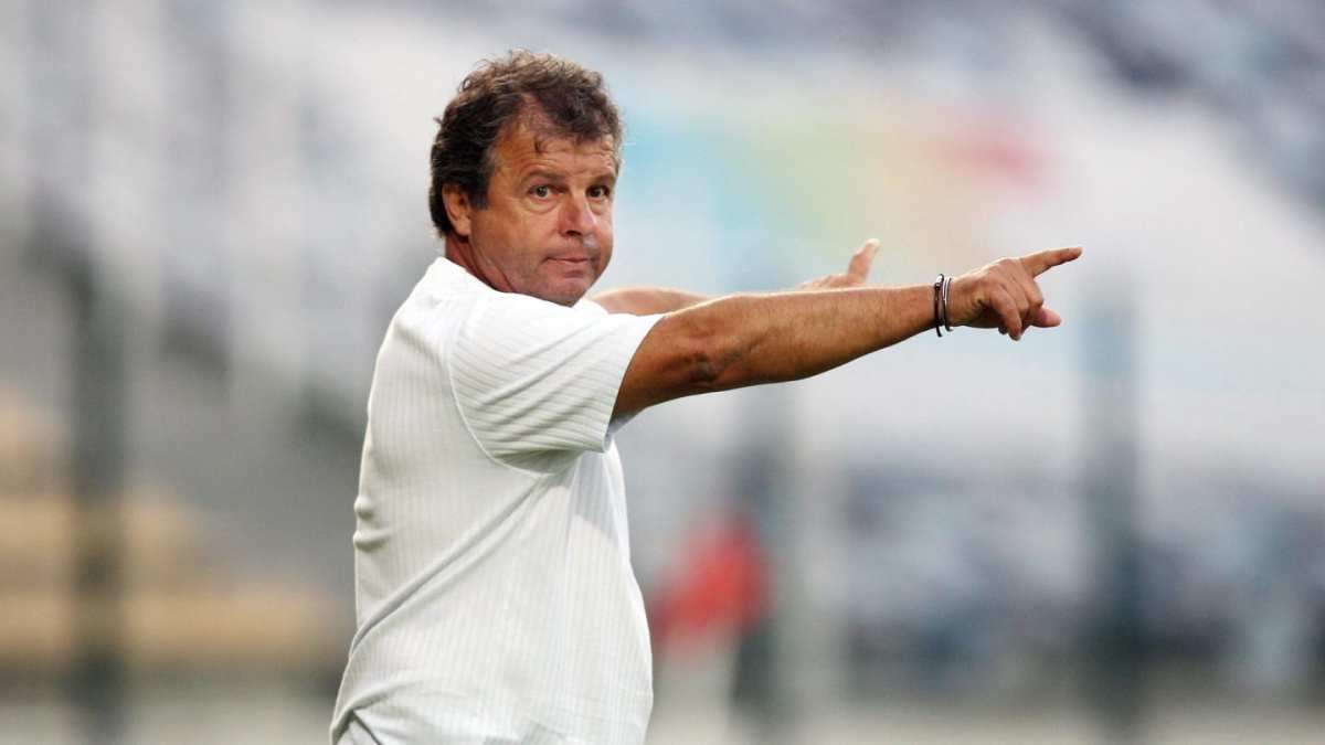 جون ميشال كافالي المدرب السابق للجزائر والحالي للنيجير