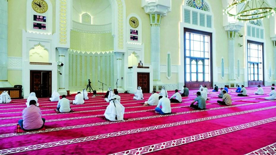 الفصل في إقامة صلاة التراويج بالمساجد