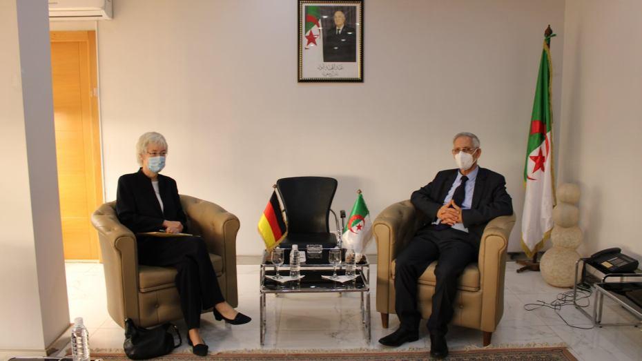 وزير الصناعة يستقبل سفيرة ألمانيا بالجزائر