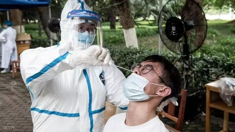 الصين توافق رسميا على استخدام لقاح مضاد لكورونا