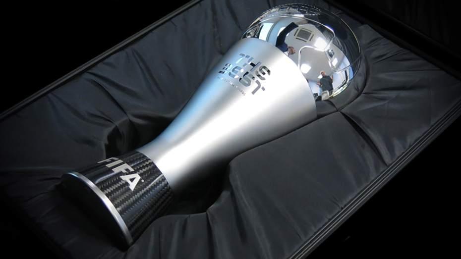 """""""فيفا"""" يكشف قوائم المرشحين لجوائز الأفضل عام 2020"""
