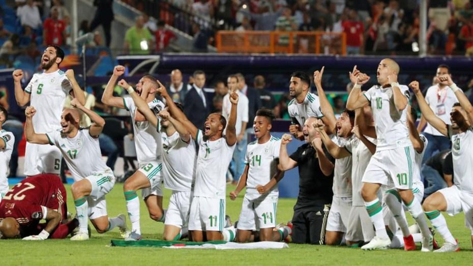 لاعبو المنتخب الجزائري يواصلون تحقيق الانجازات في قطر