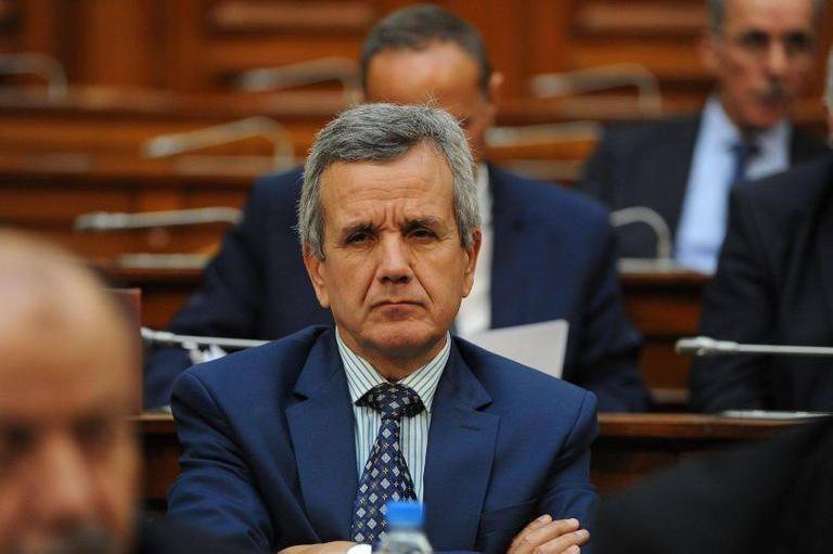اختيار لقاح كورونا ليس من اختصاص وزير الصحة