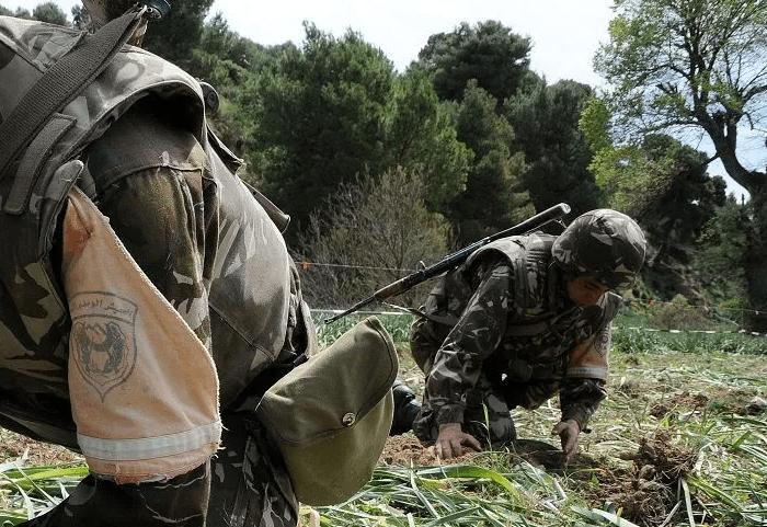 الجيش يقضي على إرهبيين ويترجع أسلحة وذخيرة حية بجيجل