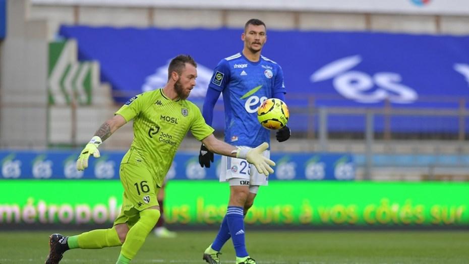 ألكسندر أوكيدجة يُحقق انجازا جديدا في الدوري الفرنسي لكرة القدم