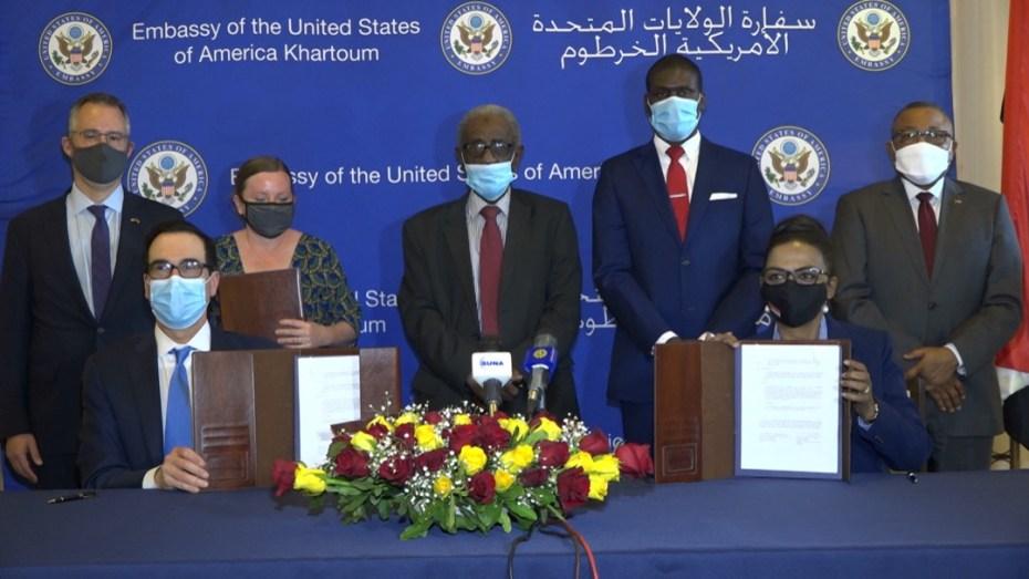 مقابل قرض أمريكي بقيمة مليار دولار.. السودان يوقع على اتفاق التطبيع