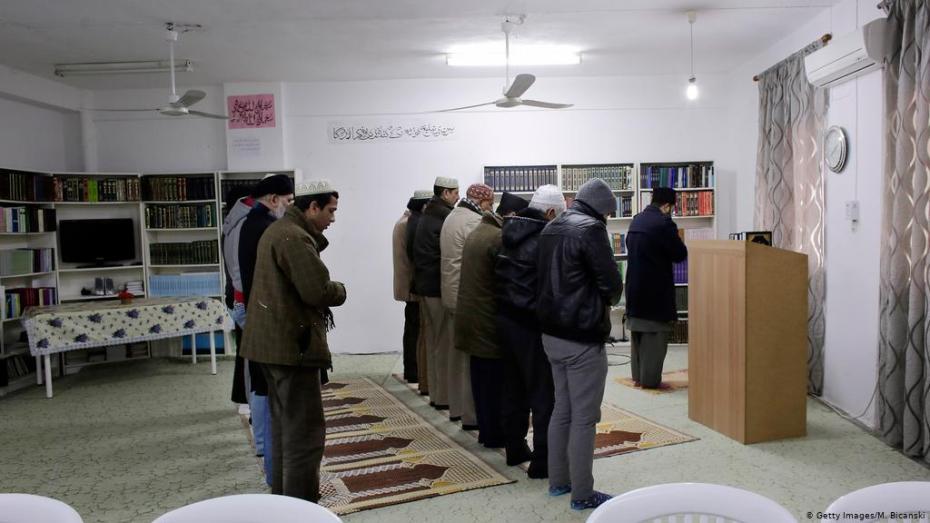 إدانة 31 شخصا الرابطة من أتباع الجماعة الأحمدية في ولاية تيزي وزوز