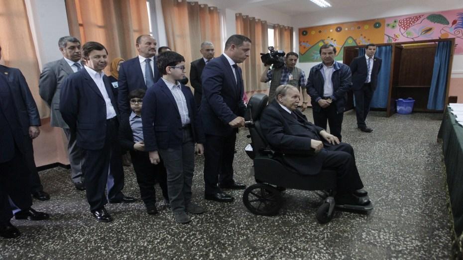 أين يعيش الرئيس السابق عبد العزيز بوتفليقة وعائلته.. السعيد يكشف؟