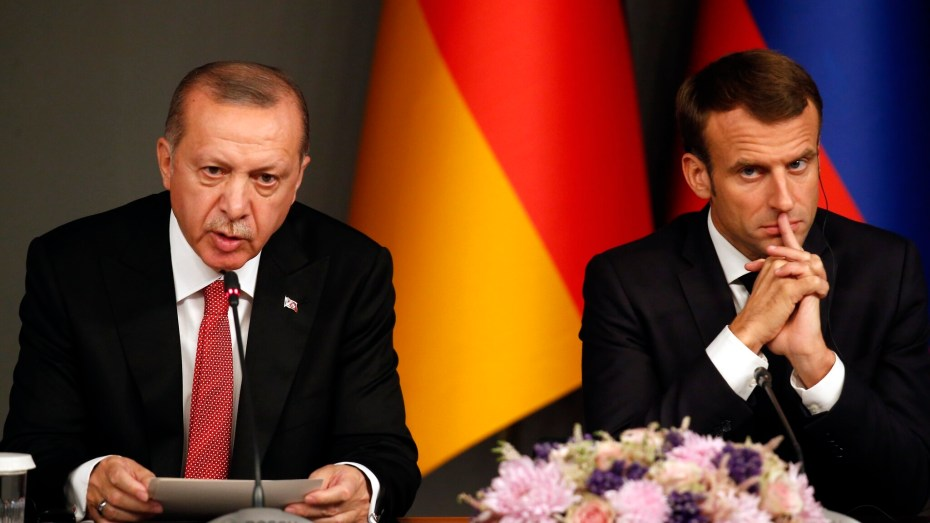 أردوغان يدعو ماكرون إلى التكفير عن مجازر فرنسا الاستعمارية في الجزائر