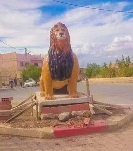 """تمثال """"أسد"""" يثير جدلا واسعا في مواقع التواصل بالجزائر"""