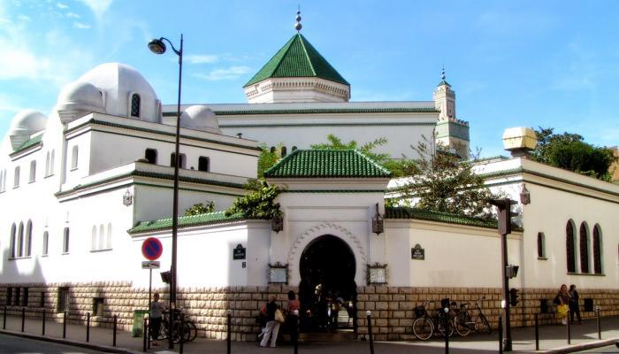 الإفراج عن قائمة الأئمة الناجحين في مسابقة الانتداب لدى مسجد باريس