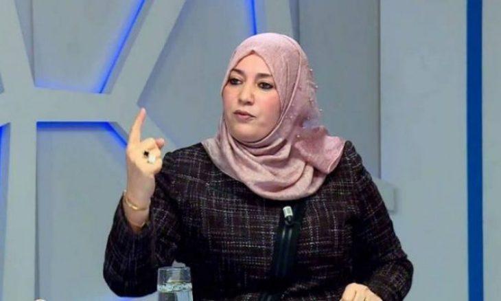 نعيمة صالحي تدعو تبون إلى عزل نشطاء في الحراك