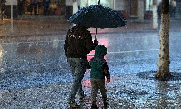 تساقط أمطار رعدية غزيرة مساء اليوم على 8 ولايات