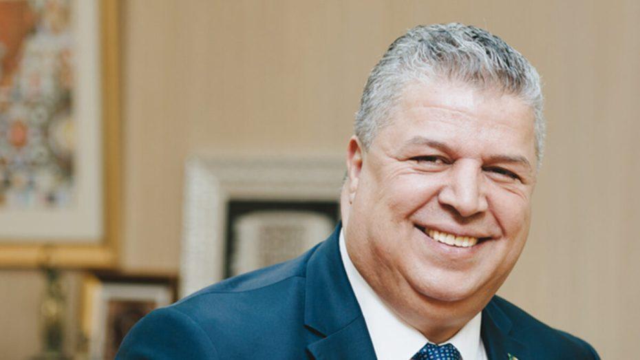 """عمارة رئيس الـ""""فاف""""يصنع الحدث في حفل قرعة منافسة كأس العرب """"فيفا"""" 2021"""