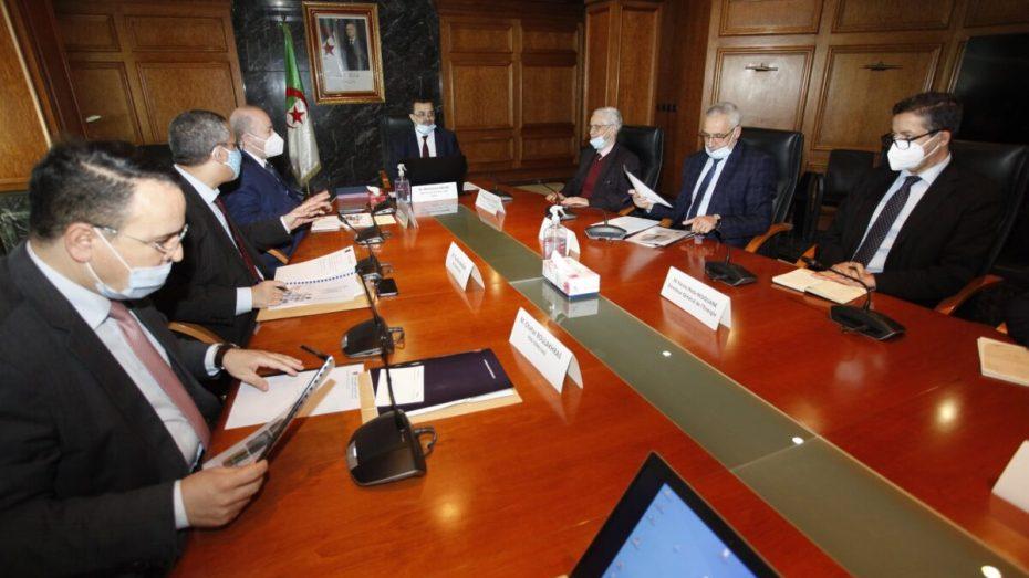 شراكة بين سوناطراك وسونلغاز لتنفيذ مشاريع الطاقات المتجددة