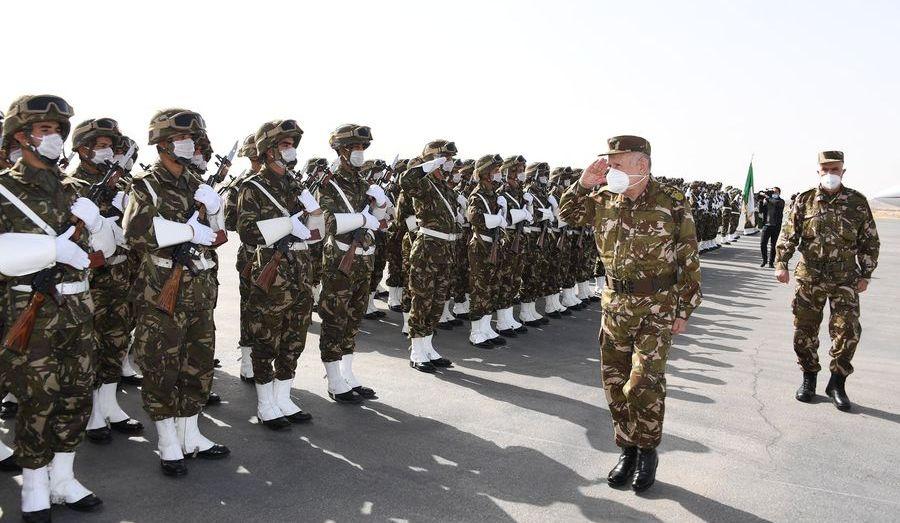 شنقريحة: عدم الاستقرار في دول الجوار لن يشكل خطرا على سلامة الجزائر